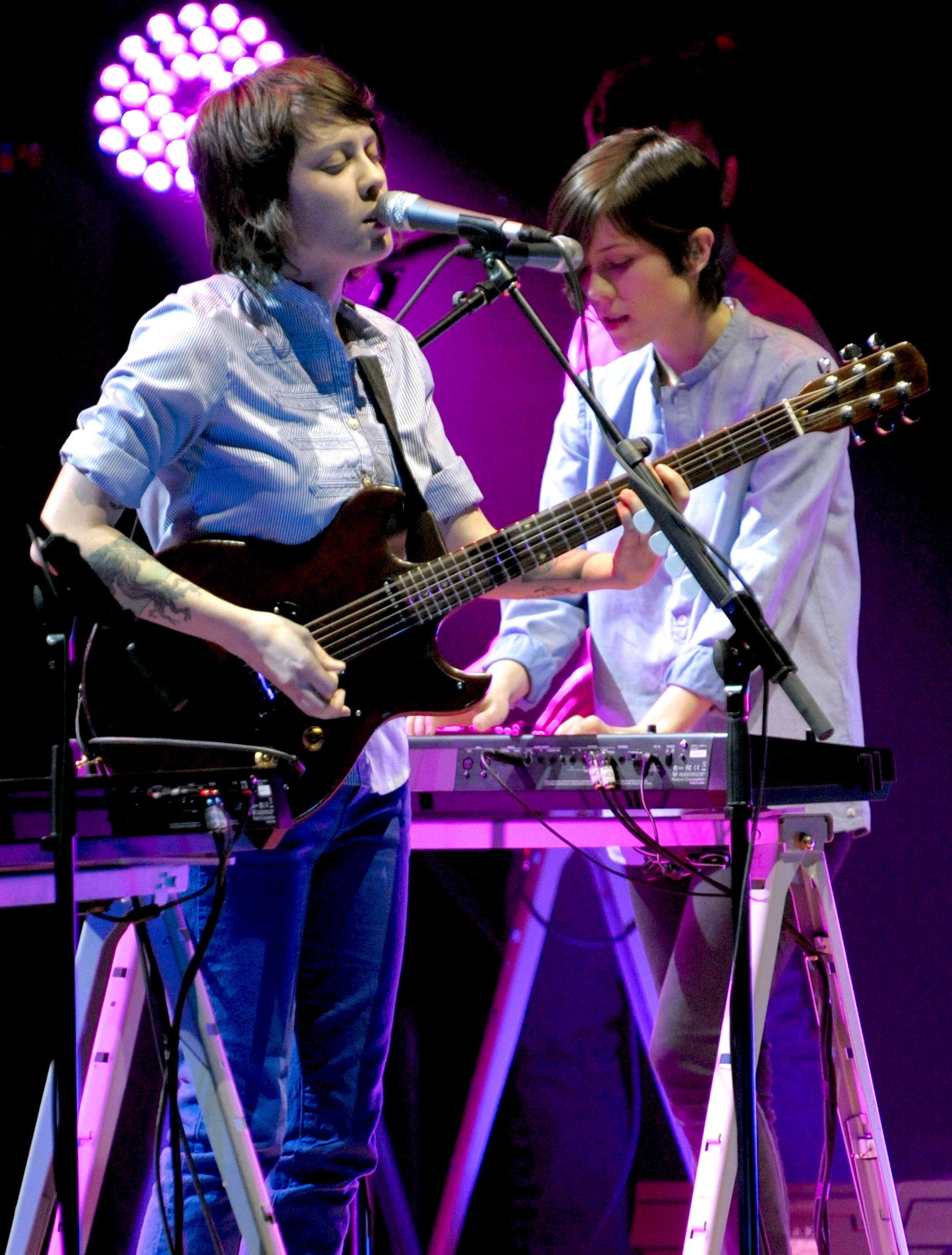 tegan and sara perform 190110