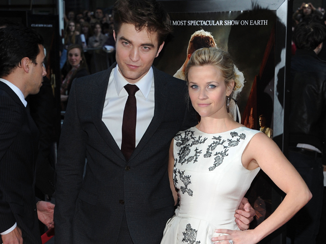 143930_access-extended-robert-pattinson-and-reese-witherspoons-water-for-elephants-premiere