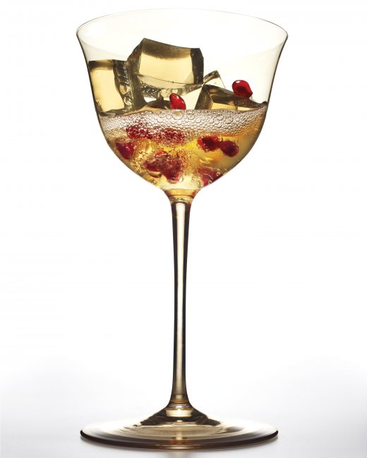 How to throw a chic affordable new years party minx for Martha stewart christmas wine glasses